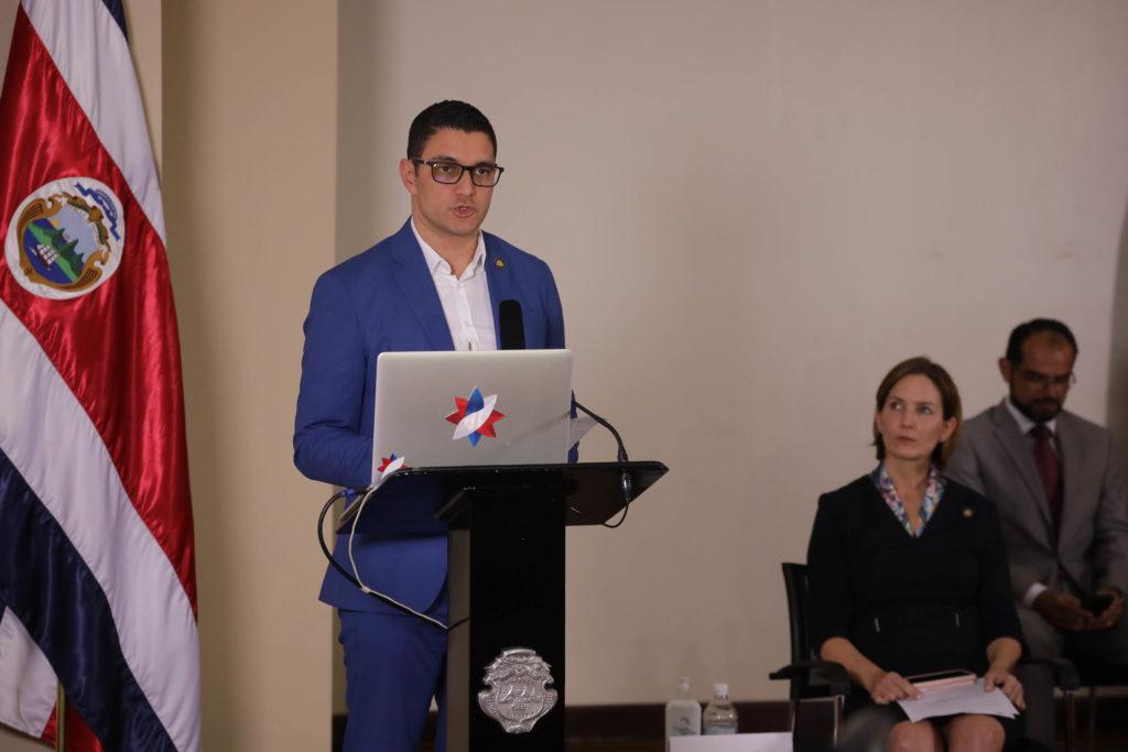Ministro de Salud, Daniel Salas.